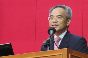 商學院院長蘇偉民教授歡迎工商管理學士課程的一年級新生。