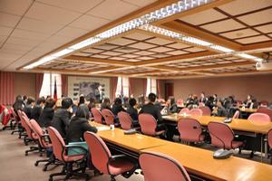 政治大學副校長林碧炤博士歡迎同學參訪政治大學,並與選舉研究中心的老師座談