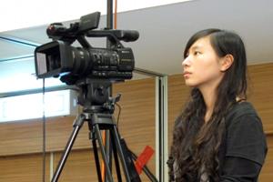新傳系同學協助拍攝工作 2