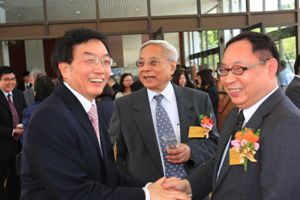 President Dr Chui, Mr. Samuel Lam Sau Tong(middle), Mr. Robert Lam(right) from Wong & Ouyang (HK) Limited chatted happily