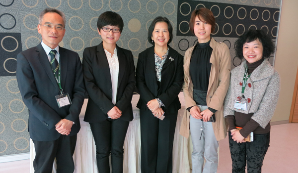 Dr. Karen Chan, Vice-President (Organizational Development) of HSMC (center), and Prof. Raymond So, Chairperson of Student Exchange Committee (first from left), welcomed Ms Connie Li, Programme Manager (second from left), and Ms Freda Guan, Programme Manager (second from right) of Center for Overseas Academic and Cultural Exchanges.