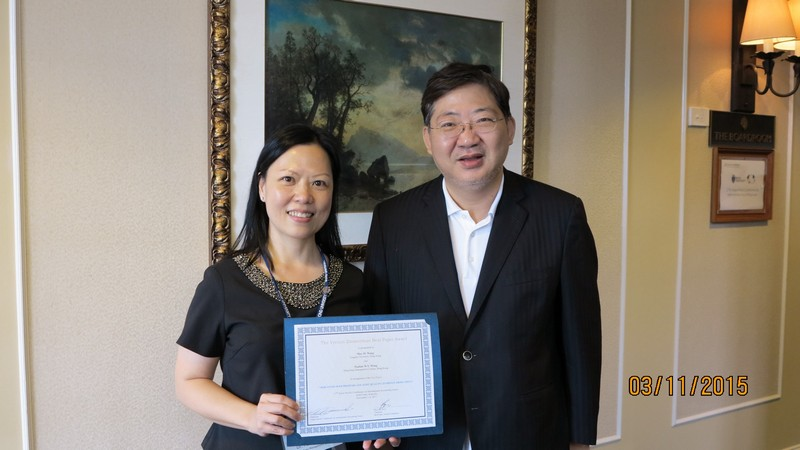 Dr Pauline WONG and President Simon S M HO