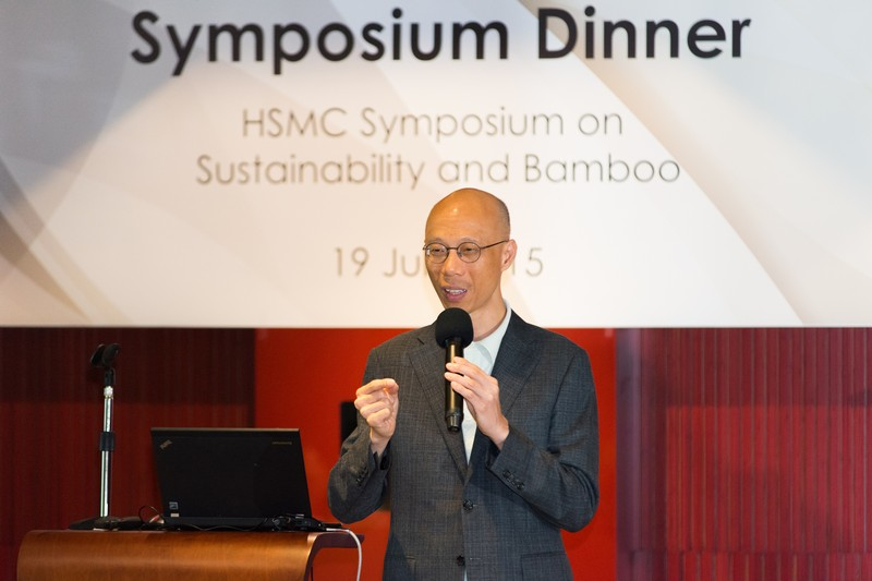 Mr Wong Kam-sing shared his vision on Hong Kong's sustainability development with the guests at the Symposium dinner
