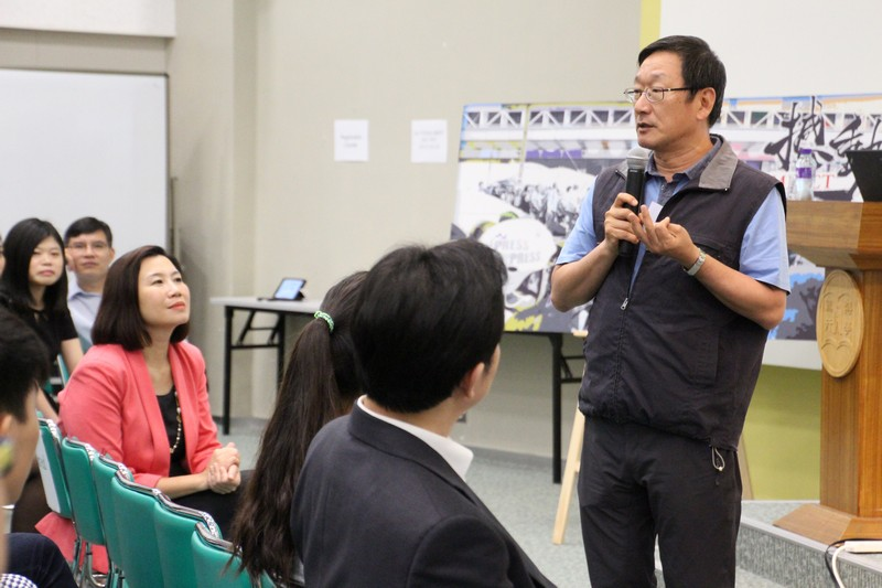 Dr Cheung Kwai-yeung shared his working experience