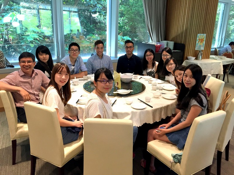 The visiting group from Sichuan University had lunch with BJC professors and student representatives