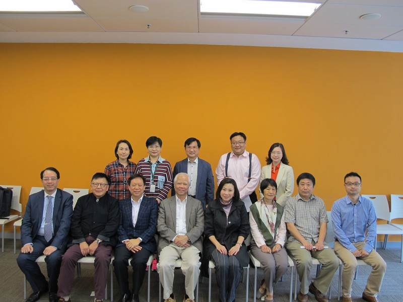 Group photo of advisors, external examiners and BJC professors