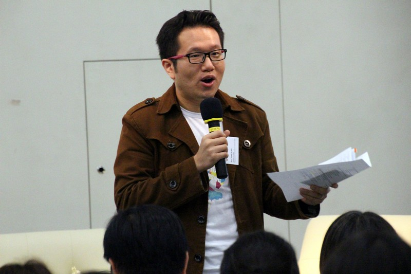 Mr James Chang, Head of Department of Journalism (left) and Communication and Dr Chan Chi Kit (right) introduced the programme curriculum and school activities