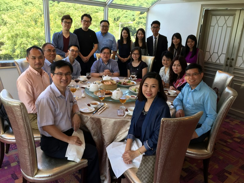 BJC professors, administrative staff and students had lunch with the IDR Panel members