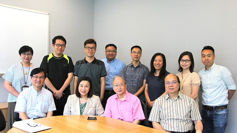 Group photo of Professor Huang-Fu and professors from the School of Communication