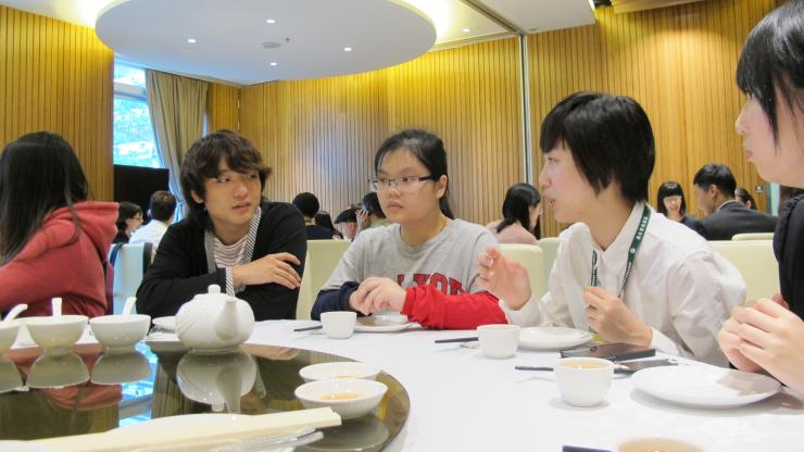 Students from HSMC and HKBU exchanged their views