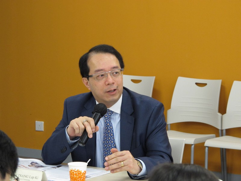 Mr Richard Tsang shared the new trend in PR industry and emphasised the importance of language skills