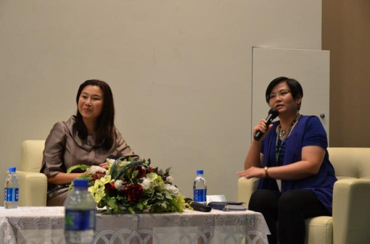 Chit-chat session by Prof Tso (Left) and Ms Glacial Cheng (Right)