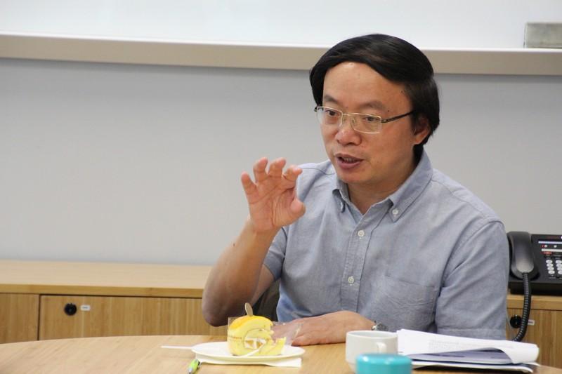 Dr Li shared his teaching experience