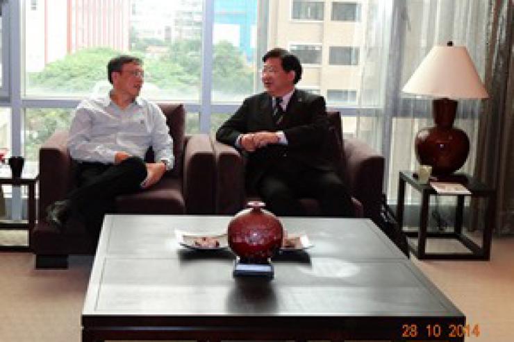 何校長參觀世新大學管理學院並與徐院長晤談