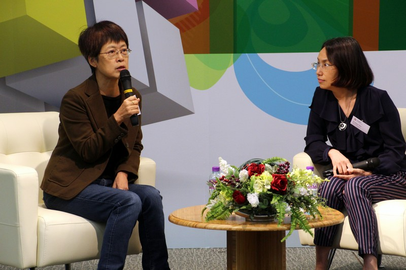 Chit-chat session by Director Tammy Cheung (left) and Ms Sharon Chen (right)