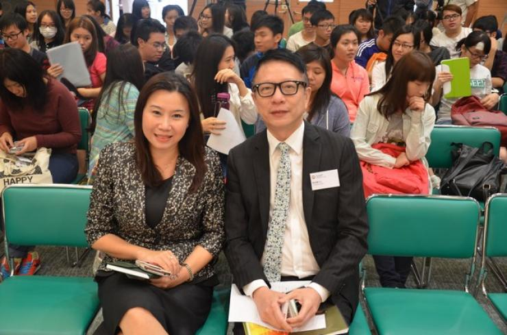 Prof Scarlet Tso, Dean of the School of Communication (left) and Mr Nick Ip, Executive Director of ATV (right)