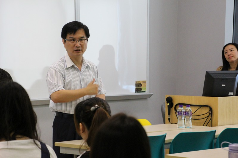 Dean Scarlet Tso and Associate Dean James Chang gave an opening speech at the Sharing Sessions