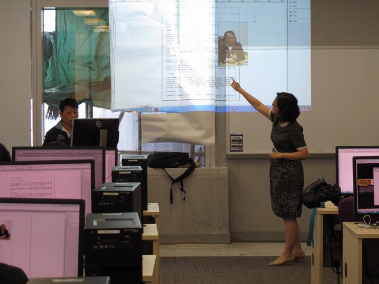 吳靜教授協助指導新傳系同學