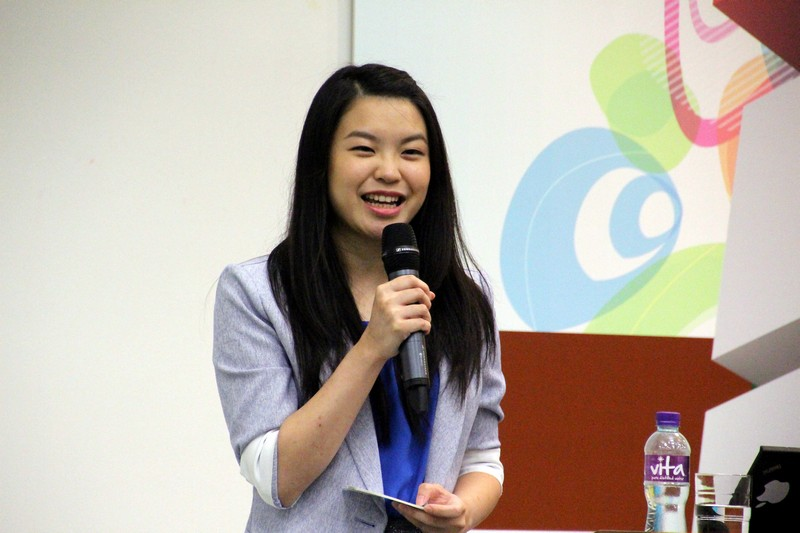 MC of the talk, Lau Yuen Yan, BJC Year 4 student