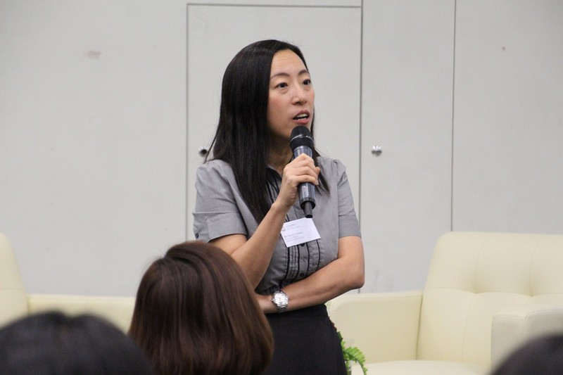 Dr Meily Cheung, Assistant Professor of the School of Communication, shared job hunting skills