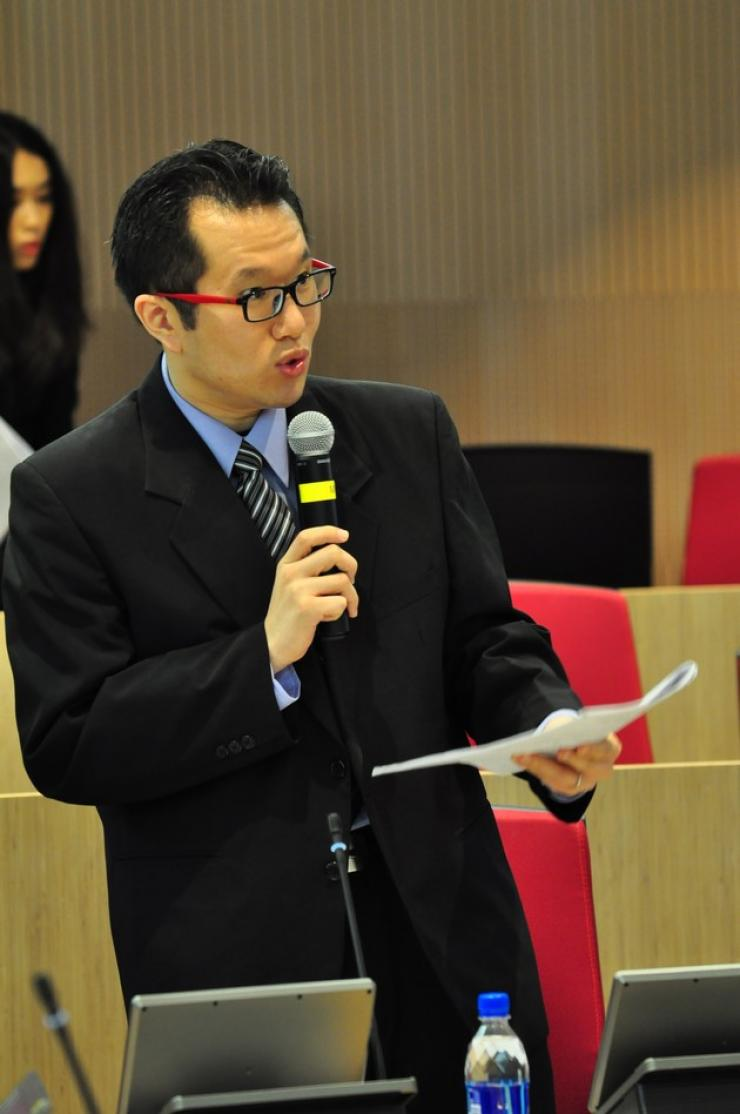 MC of the conference, Dr Chan Chi Kit, Assistant Professor, Department of Journalism and Communication, HSMC
