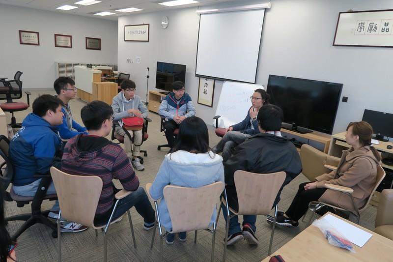 李日康先生帶領同學分享閱讀及創作體驗