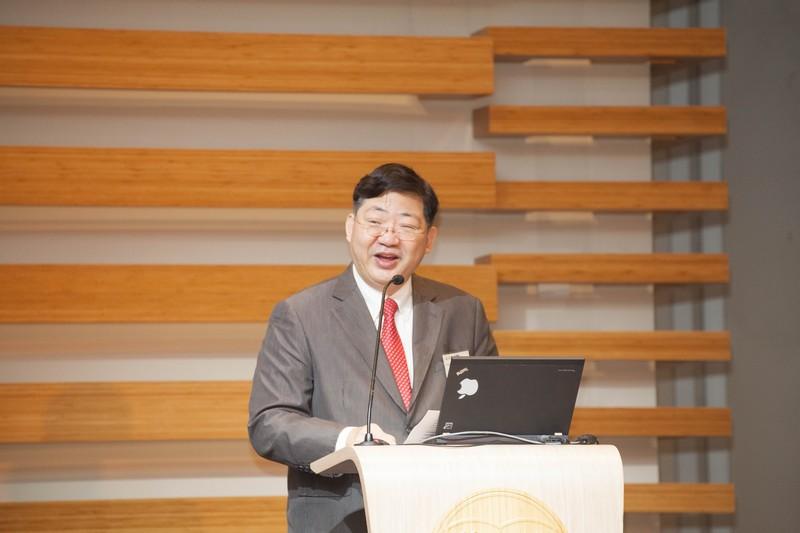 Professor Simon Ho, President of Hang Seng Management College (HSMC), Hong Kong, gave a welcoming speech