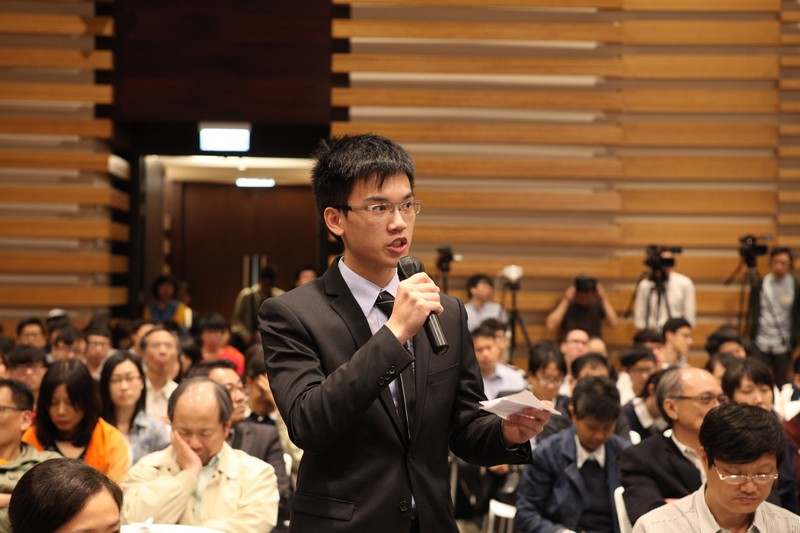 HSMC students shared their thoughts and raised questions after listening to Professor Lee's lecture