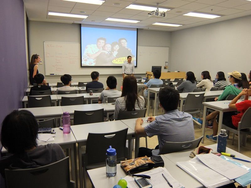 Kevin Dahaghi from the United States introduced different American sitcoms to our students, which was greeted with peals of laughter