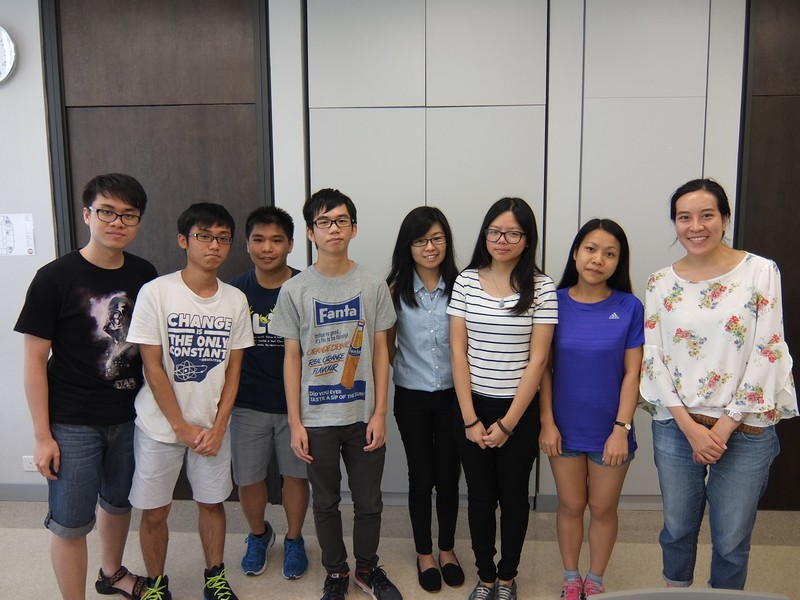 Group photos of teachers and students in the last lesson