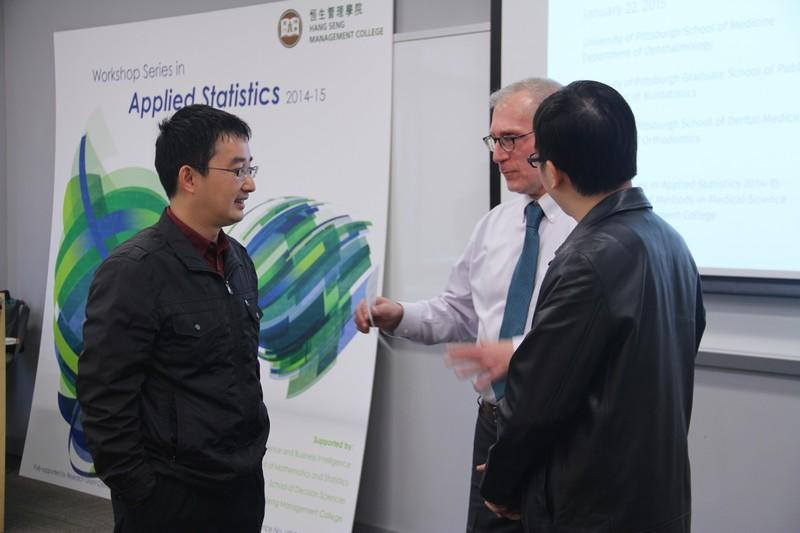 當日講者樊博士(左)、Bilonick博士(中)及余博士(右)於開講前對談