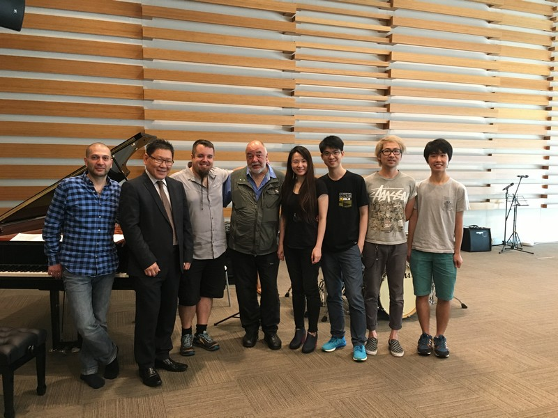 "(From left) Vardan Ovsepian (keyboardist of ""New Trio""), HSMC Provost Gilbert Fong, Damian Erskine (bassist of ""New Trio""), Peter Erskine (drummer of ""New Trio""), Lok-yin Tang (HKIDF organiser and Hong Kong composer), Francis Tang (HKIDF organiser) and audience"