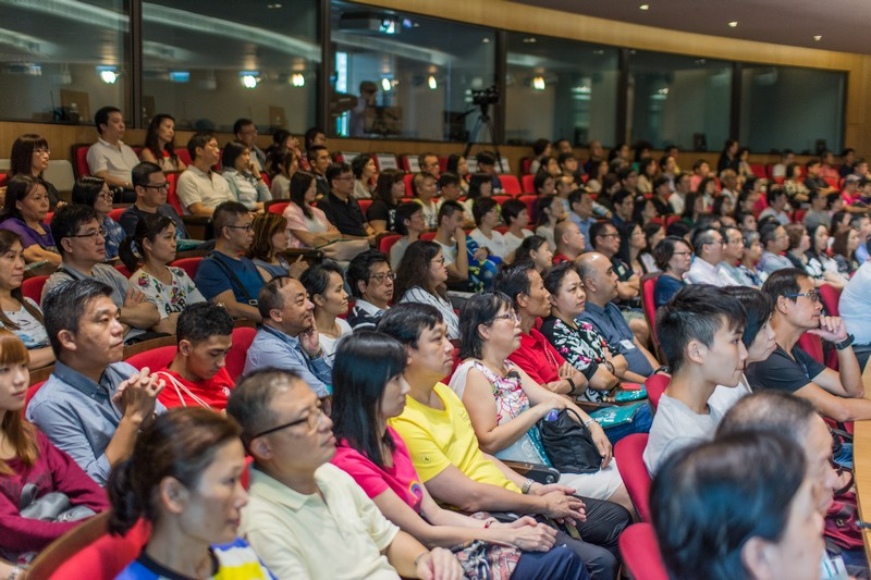 Parents and students filled up the Fung Yiu King Hall