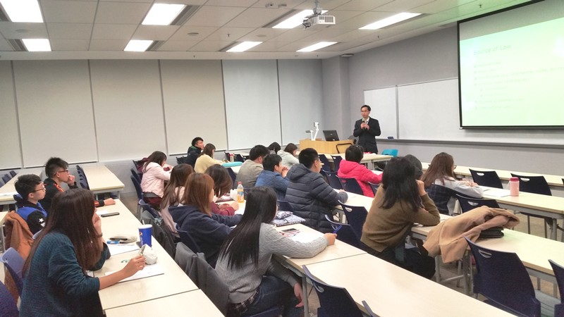 The speaker explained the legal system in Hong Kong to the audience