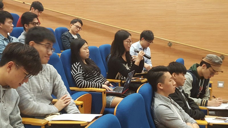Teachers and students actively participated in the Q and A section