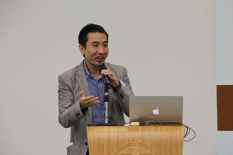 Mr Carter Ng discussed the impact of social media and self-media