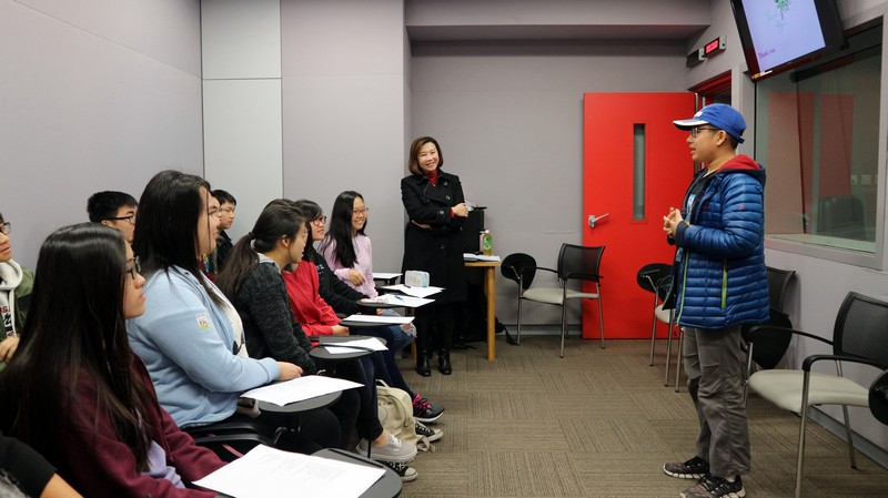Dean Scarlet Tso of the School of Communication introduced techniques in oral speaking -2