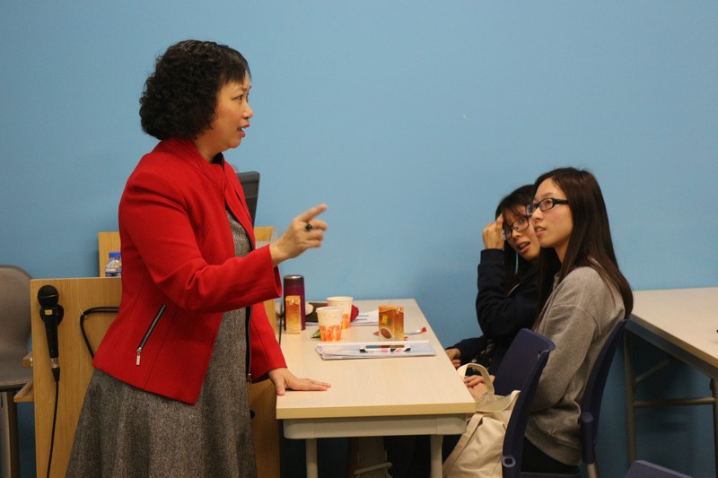 Ms Choy fully captured participants' attention with her real-life stories -3