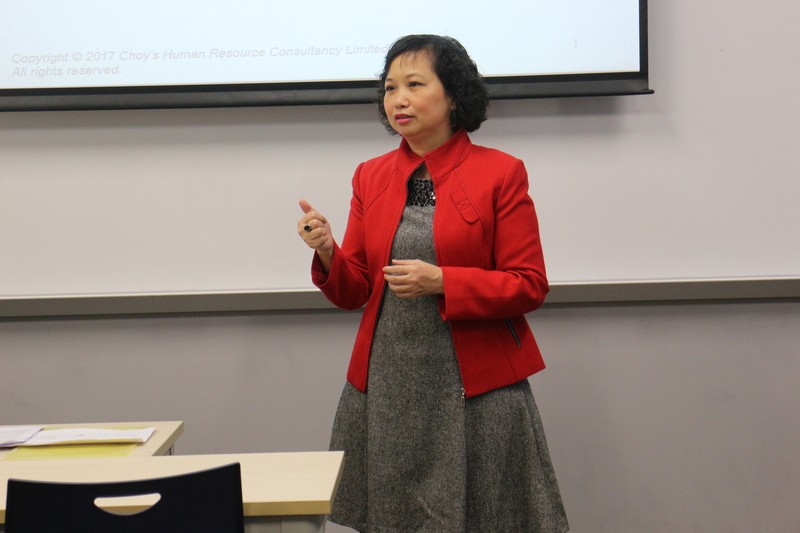 Ms Choy fully captured participants' attention with her real-life stories -4
