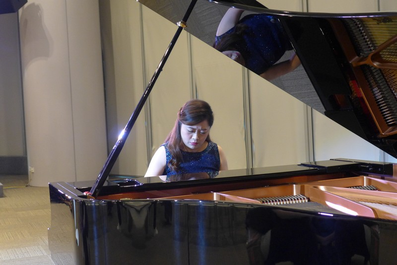 "Henrika Wong's solo: ""Moonlight""."