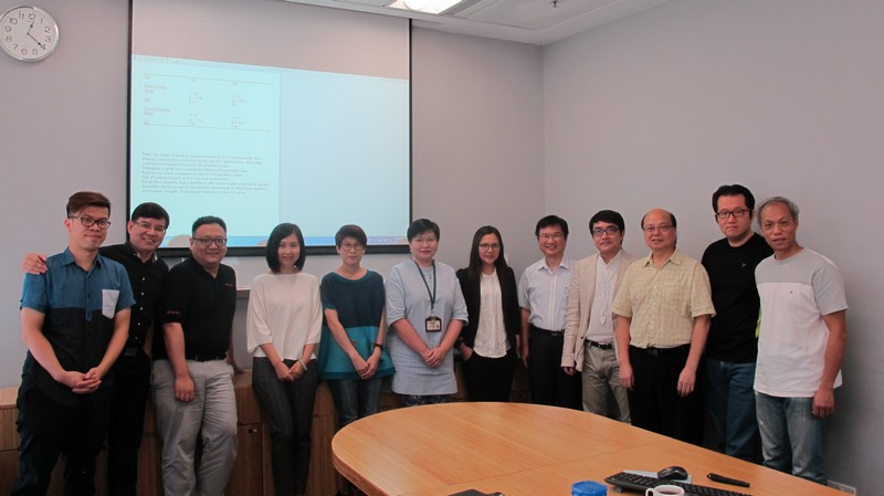 Dr Lin and professors of SCOM pictured together.