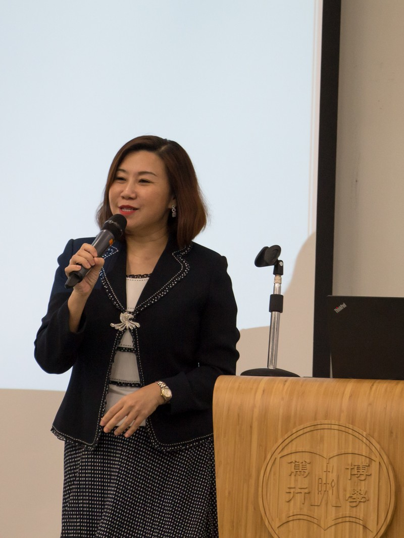 Dean Scarlet Tso gave the welcoming remarks in the briefing session.