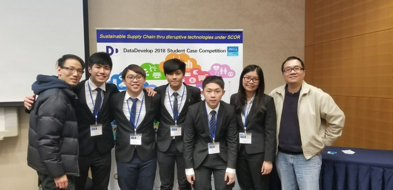 (From left) Dr Jack Wu, Lecturer of the Department of Supply Chain and Information Management; Tung Chi Ho; Li Sing Yin; Law Shu Kai; Leung Chi Woon; Lo Ying Pui and Dr Stephen Ng, Associate Professor of the Department of Supply Chain and Information Management.