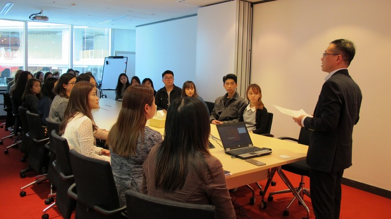 Mr KW Lam, Managing Director Hill+Knowlton Strategies Hong Kong, was giving a welcome remarks.