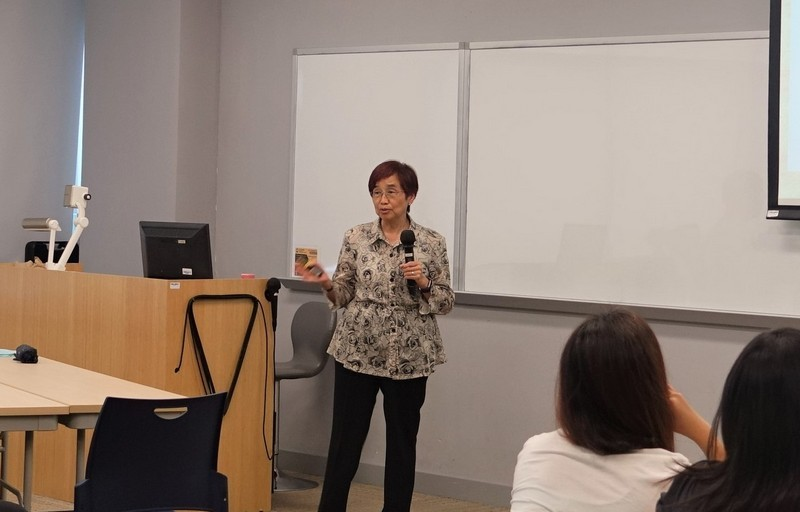 """""""Outcome-based Teaching and Learning (OBTL) and Criterion-Referenced Assessment – What, Why and How?"""" workshop was delivered by Professor Lilian Kwan, Associate Vice-President of Beijing Normal University-Hong Kong Baptist University United International College."""