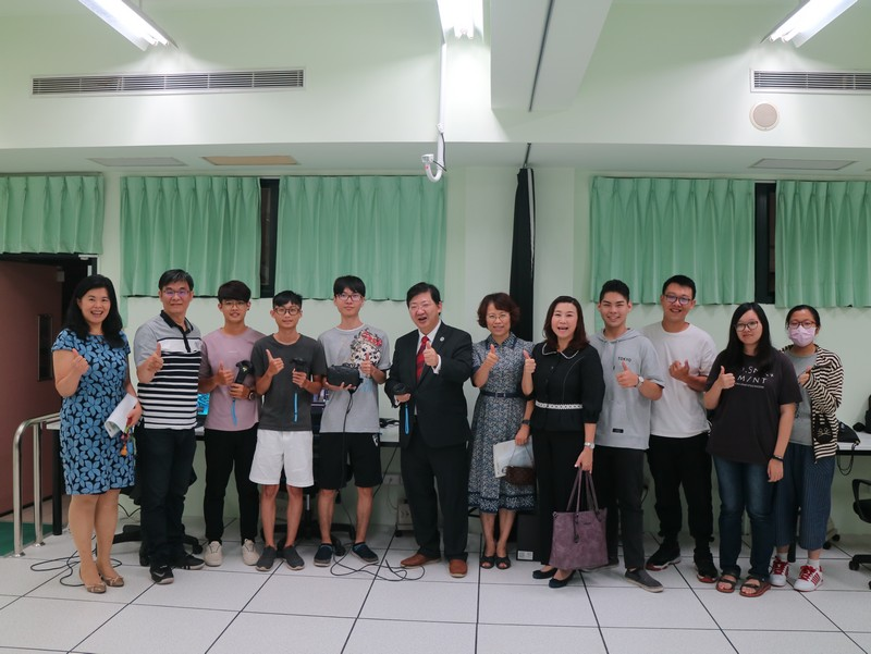 The HSMC delegation with students of the College of Culture and Educational Innovation of WZU