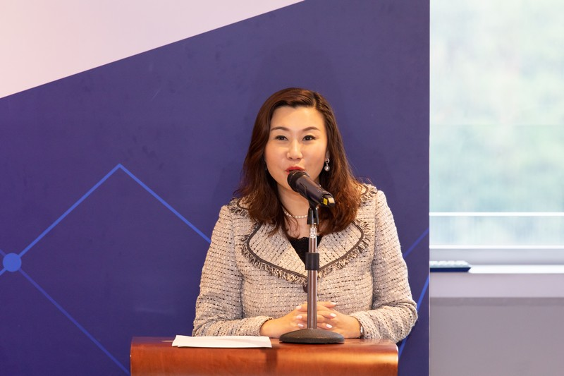Professor Scarlet Tso, Dean of School of Communication of The Hang Seng University of Hong Kong, delivered a welcoming remark at the Opening Ceremony.