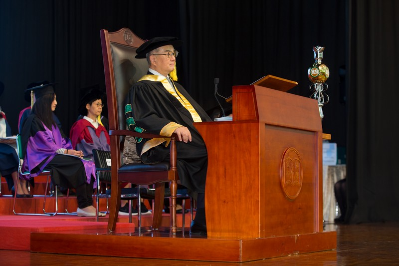 Dr Moses Cheng, Chairman of Council, officiated at the afternoon sessions of the Ceremony.
