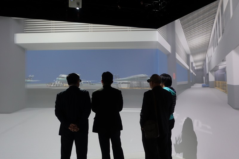 The delegation visited the Virtual Reality Centre.