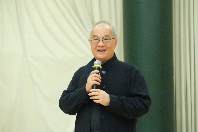 Dr Moses Cheng, the Council Chairman, was sharing with all students about the importance of active participation in RC life.